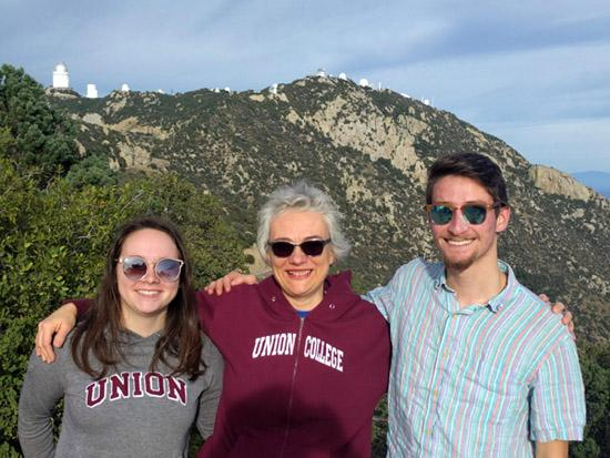 Becky Koopmann and students at Kitt Peak.