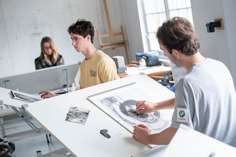 Drawing studio in Feigenbaum Center for Visual Arts