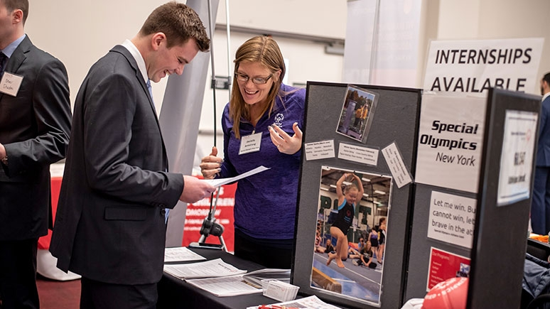 Union students at the College's annual career fair